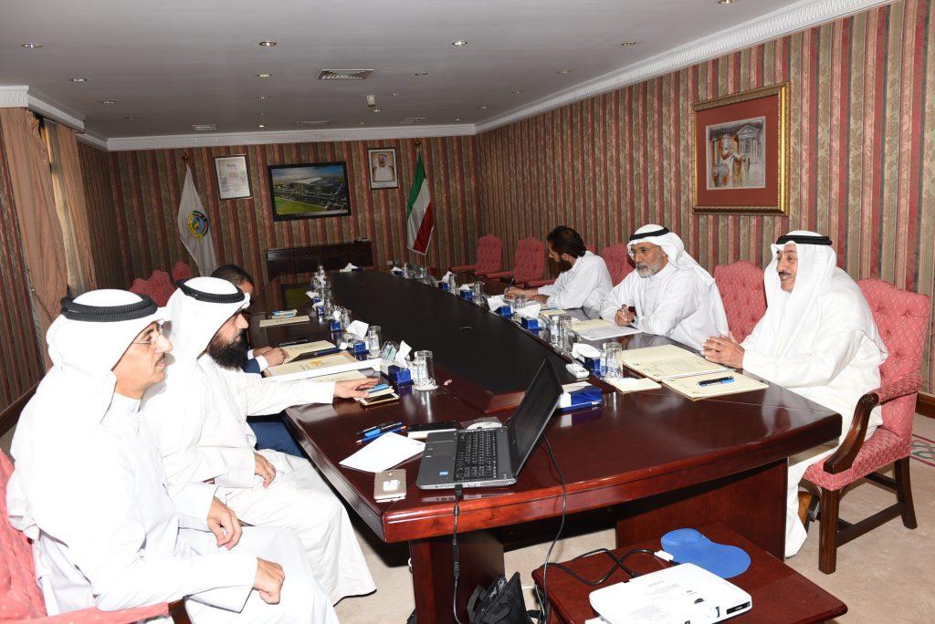 اجتماع معالي المحافظ مع مدير ادارة مكتب مدير عام بلدية الكويت